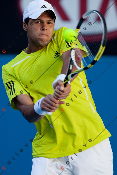 2010 Australian Tennis Open - TSONGA, Jo-Wilfried (FRA) [10] vs ALMAGRO, Nicolas (ESP) [26] - [photographer] Mark Peterson - 6413