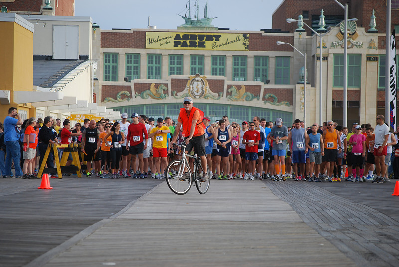 AP Boardwalk 10K Start Turn- 2012 001