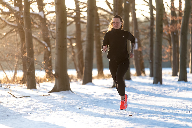 ASIC-RUNNING-SNOW-HILVERSUM-NETHERLANDS-0300