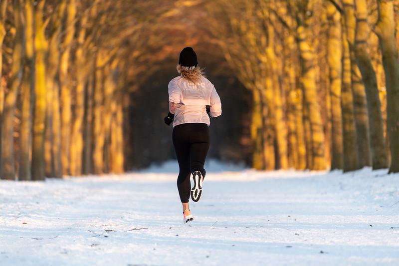 ASIC-RUNNING-SNOW-HILVERSUM-NETHERLANDS-0406