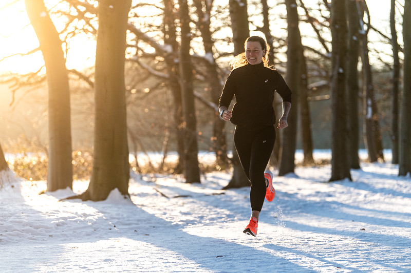 ASIC-RUNNING-SNOW-HILVERSUM-NETHERLANDS-0303
