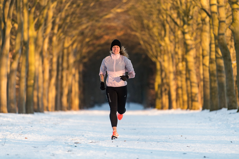 ASIC-RUNNING-SNOW-HILVERSUM-NETHERLANDS-0414
