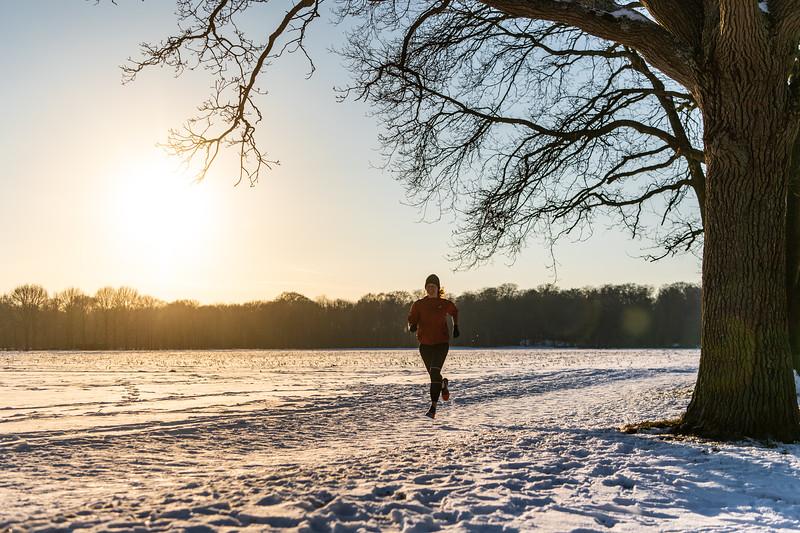 ASIC-RUNNING-SNOW-HILVERSUM-NETHERLANDS-0211