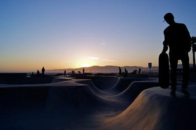 Sun sets at Venice Beach Skate Park.  ref: b40336f8-4890-4f1d-8a7d-e52b280f7032