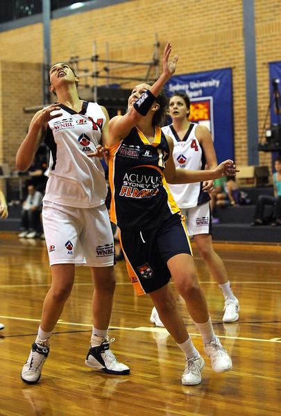 Mikaela Dombkins, makes the shot.