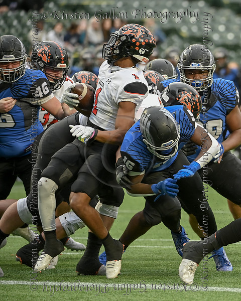 Aledo WR #1 JoJo Earle coming out of the wildcat (Bearcat) formation finds himself without room to run.