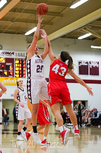 Altoona #24 Caranda Perea jumper over Central #43 Maddi Metzler