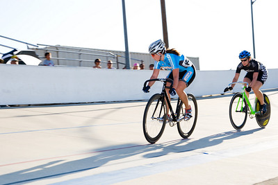 Becky Lang leads out the sprint against Jennifer Featheringill.