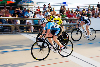 Becky Lang and Jennifer Triplett take the top two spots in their Keirin heat.
