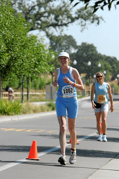 My stride is looking good here.  I distinctly remember a large amount of pain at this point, however.