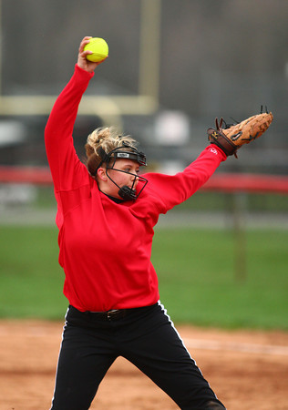 4-13-13<br /> Eastern and Taylor softball<br /> Emma Williams pitches for Taylor.<br /> KT photo | Kelly Lafferty