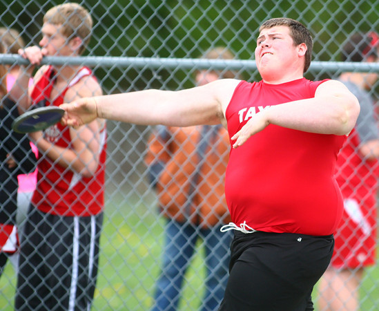 4-30-14<br /> Taylor track & field<br /> Tyler Delon in the discus<br /> Kelly Lafferty | Kokomo Tribune