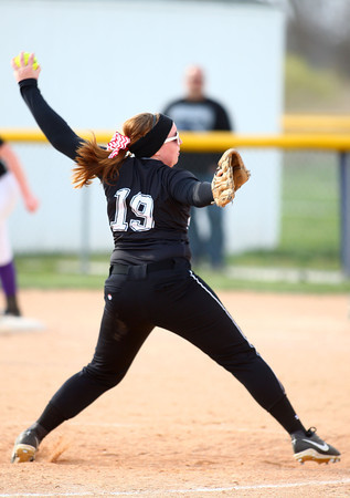 4-24-14<br /> Western vs. Northwestern softball<br /> Western's Lexy Sanders pitches.<br /> Kelly Lafferty | Kokomo Tribune