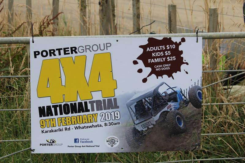 Hoi Speedway fans, <br /> <br /> Ik ben op dag 2 van de World 240 ook nog even naar een 4x4 Trial geweest dat was in Arapuni dat is niet ver hier vandaan en dat begon al om 09.00 uur dus daar had ik de eerste sessie gekeken en dat waren 20 proeven en om 12.30 uur was dat afgelopen toen gingen ze lunchen maar toen ben ik weer gegaan omdat ik weer op tijd in Rotorua wilde zijn voor de finale avond omdat daar ook weer heel veel publiek op af komt. <br /> <br /> Groetjes Frans en Magda