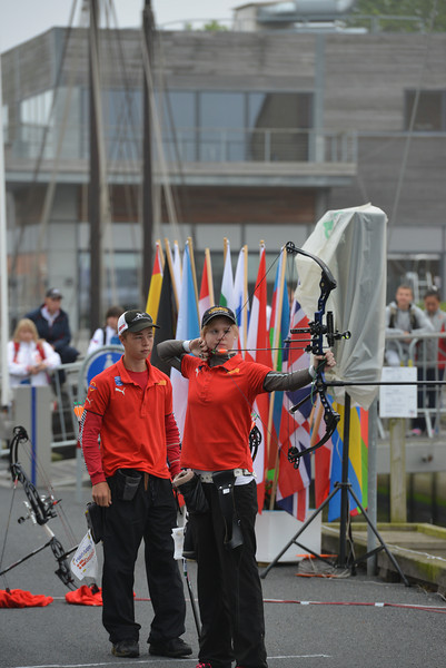 Sarah Sönnichsen i mix hold guldfinalen ved EM for ungdom i Nykøbing Falster. Stephan Hansen, Nykøbing Falster i baggrunden.