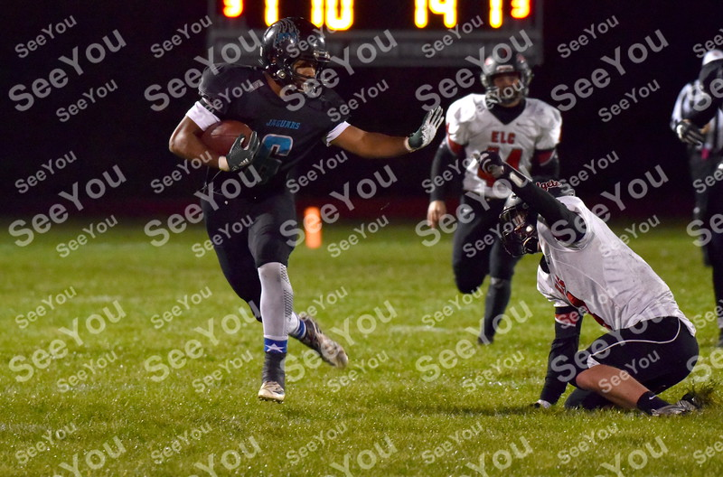 -Messenger photo by Britt Kudla<br /> Kyler Fisher of Southeast Valley breaks free for a touchdown against Estherville Lincoln Central on Friday at Gowrie