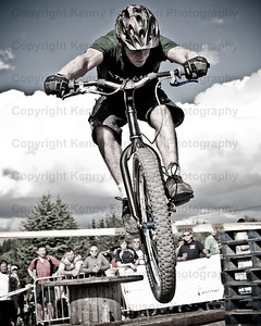 10 under the ben 08 Sponsered by the Benromach Whisky company.Held at Anoch mor nevis range Fort William.A 10 hour enduro to compete as many  laps of the witchs trail.Solo,pairs and team entries.