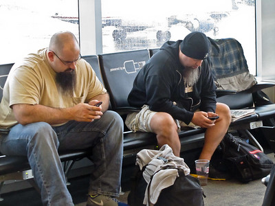 Murph & Eric Discuss Strategy by Text Messaging Each Other