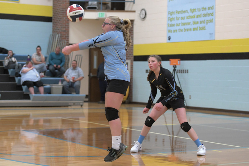 Matthew Gaston | The Sheridan Press<br>Arvada-Clearmont libero Kailei Beam (28) makes the save after a powerful spike from Hulett's Bentley Geib Saturday, Oct. 26, 2019.