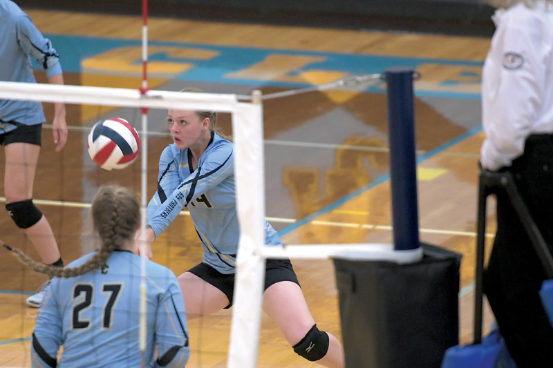 Matthew Gaston | The Sheridan Press<br>Arvada-Clearmont's Krista Malli (14) makes the save during the match with Midwest Friday, Oct. 18, 2019. The Lady Panthers defeated the Lady Oilers in three straight sets.