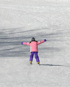 Anna learning to ski, March 2007 at Cochran's.