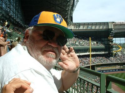 <b>August '04: Milwaukee Brewers game on Dad's B-Day</b>
