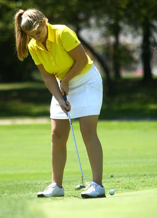 8-1-12<br /> Girls High School Golf - Kokomo Invitational<br /> Northwestern's Krista McClure putting on 5.<br /> KT photo | Tim Bath