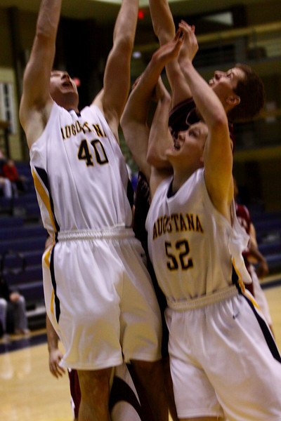 IMG_3879Augustana vs North Central