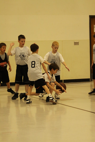 b-ball  3rd boys long w08-09 042