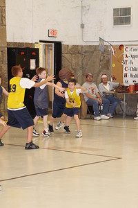 b-ball 5th boys tiry w08-09 039