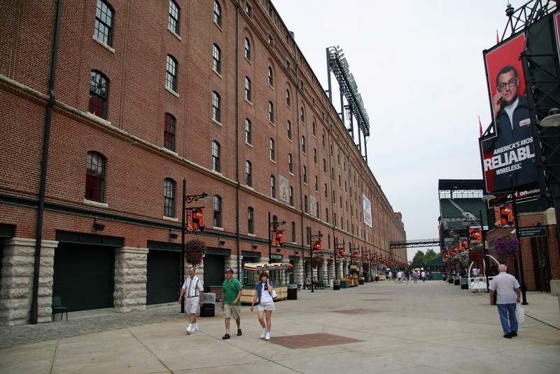 ORIOLE PARK AT CAMDEN YARDS - BALTIMORE ORIOLES