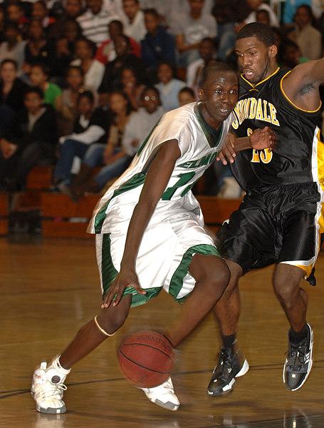 #14 David Akinyooye, Senior, Elmont. 1-17-2007. Elmont Varsity Basketball vs Uniondale. Photo by Kathy Leistner.