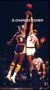 CENTER JUMP OF THE GIANTS: WILT AND KAREEM