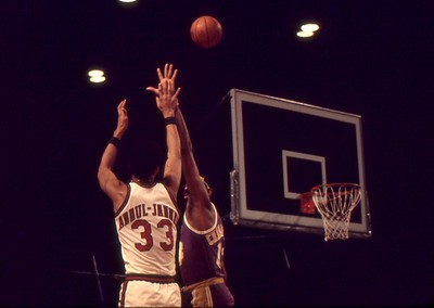 Kareem shoots over Wilt