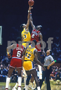 1983 NBA Finals, Jabbar vs Malone as Dr J and James Worthy jockey for position