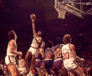 Jabbar hooks over Neal Walk who was drafted 2nd after Kareem when Bucks won coinflip over Suns