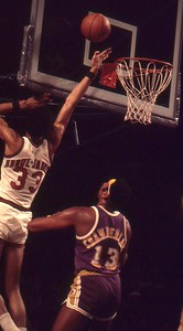 Kareem lays it in over Wilt