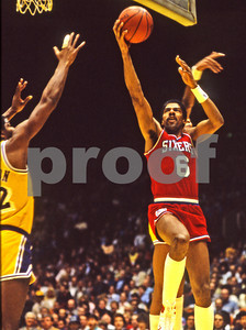 Dr J lays it up vs Magic in '83 NBA Finals