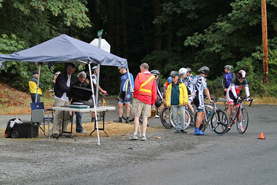 Start area of Cowichan 40 k TT: Organizer Ian Birch (Sidney Velo) in orange.