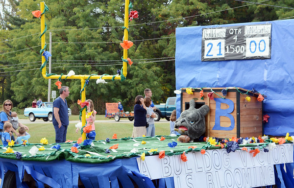 Will Fehlinger | The Herald-Tribune<br /> The BHS freshman class had the top float, focusing on the theme of the spring season.
