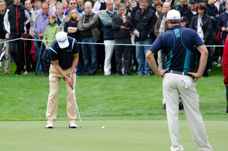 Martin Kaymer putting for Bogey on the 11th green.