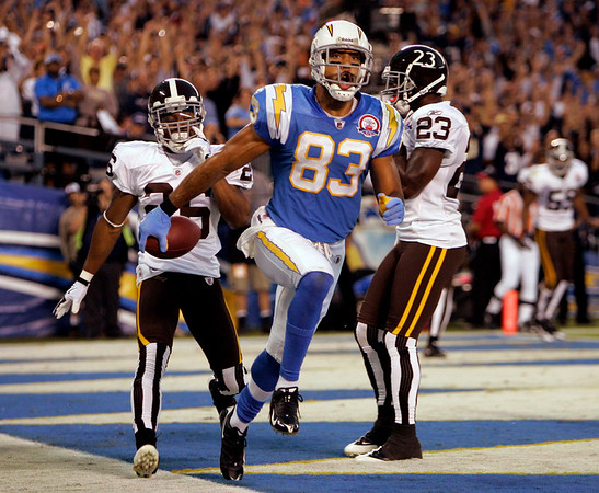 San Diego Chargers wide receiver Vincent Jackson celebrates his touchdown reception against the Denver Broncos during the first quarter of the NFL football game Monday, Oct. 19, 2009 in San Diego. (AP Photo/Chris Park)