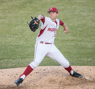 Arkansas pitcher Kacey Murphy (21) pitches during a baseball game between Arkansas and Central Michigan on 2-19-16.   (Alan Jamison, Nate Allen Sports Service)