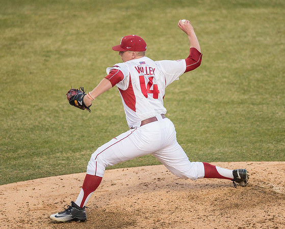 Arkansas pitcher Doug Willey (14) pitches in relief during a baseball game between Arkansas and Central Michigan on 2-19-16.   (Alan Jamison, Nate Allen Sports Service)