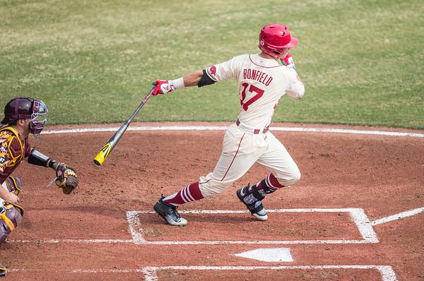 Arkansas outfielder Luke Bonfield (17) at bat during a baseball game between Arkansas and Central Michigan on 2-21-16.   (Alan Jamison, Nate Allen Sports Service)
