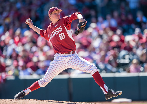 Arkansas pitcher Anthony Dahl (18) pitches in relief during a baseball game between Arkansas and Eastern Illinois on 3-5-16.   (Alan Jamison, Nate Allen Sports Service)