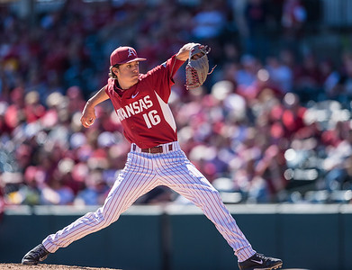 Arkansas pitcher Blaine Knight (16) pitches during a baseball game between Arkansas and Eastern Illinois on 3-5-16.   (Alan Jamison, Nate Allen Sports Service)