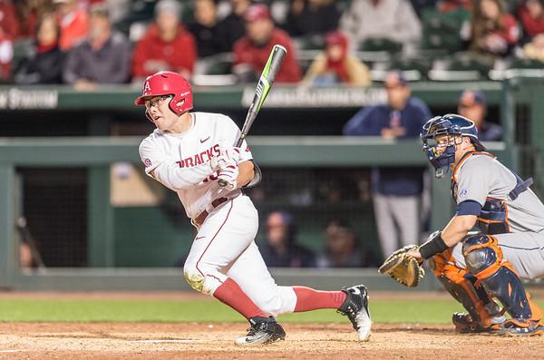 Arkansas outfielder Jake Arledge (15) at bat during a baseball game between Arkansas and Auburn on 3-25-16.  (Alan Jamison, Nate Allen Sports Service)