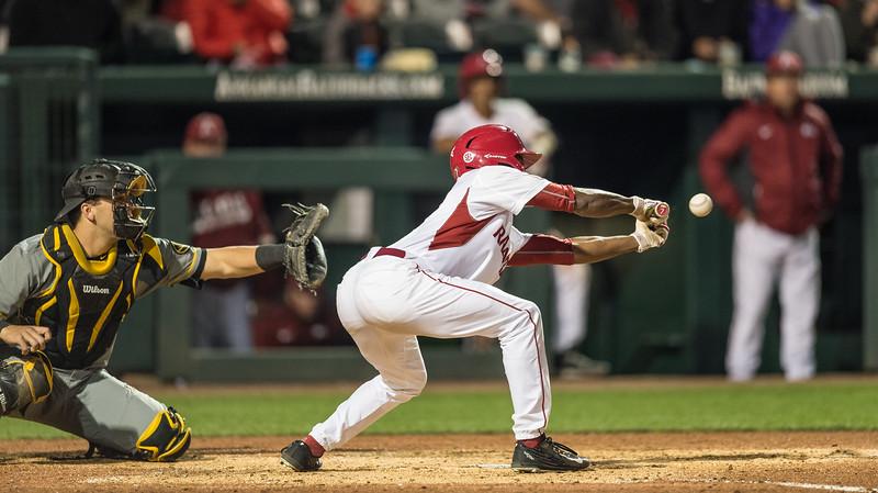 Arkansas outfielder Darien Simms (7) pinch hits for Luke Bonfield during a baseball game between Arkansas and Missouri on 4-1-16.  (Alan Jamison, Nate Allen Sports Service)