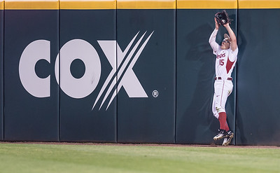 Arkansas outfielder Jake Arledge (15) catches a fly ball during a baseball game between Arkansas and Missouri on 4-1-16.  (Alan Jamison, Nate Allen Sports Service)